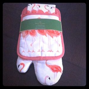 Kate Spade oven mitt and towel - NWT